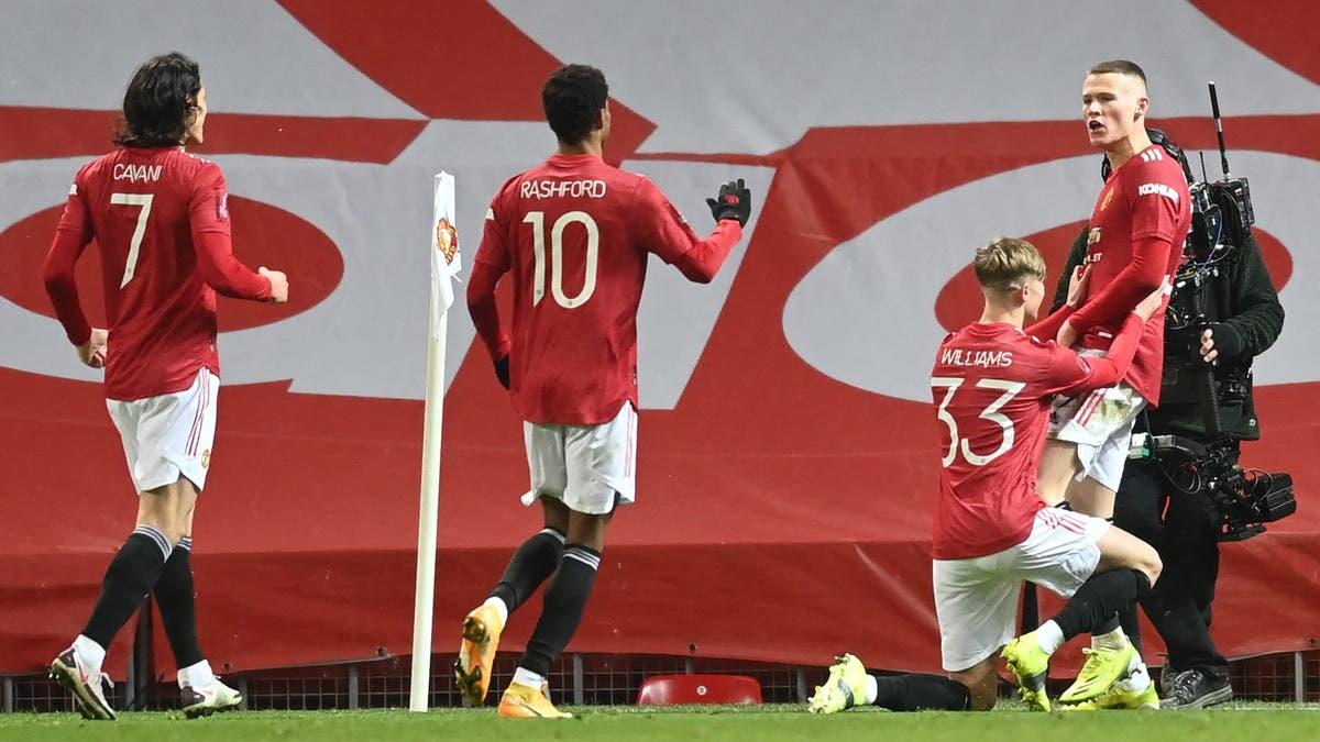 يونايتد يتأهل إلى ربع نهائي الكأس بصعوبة