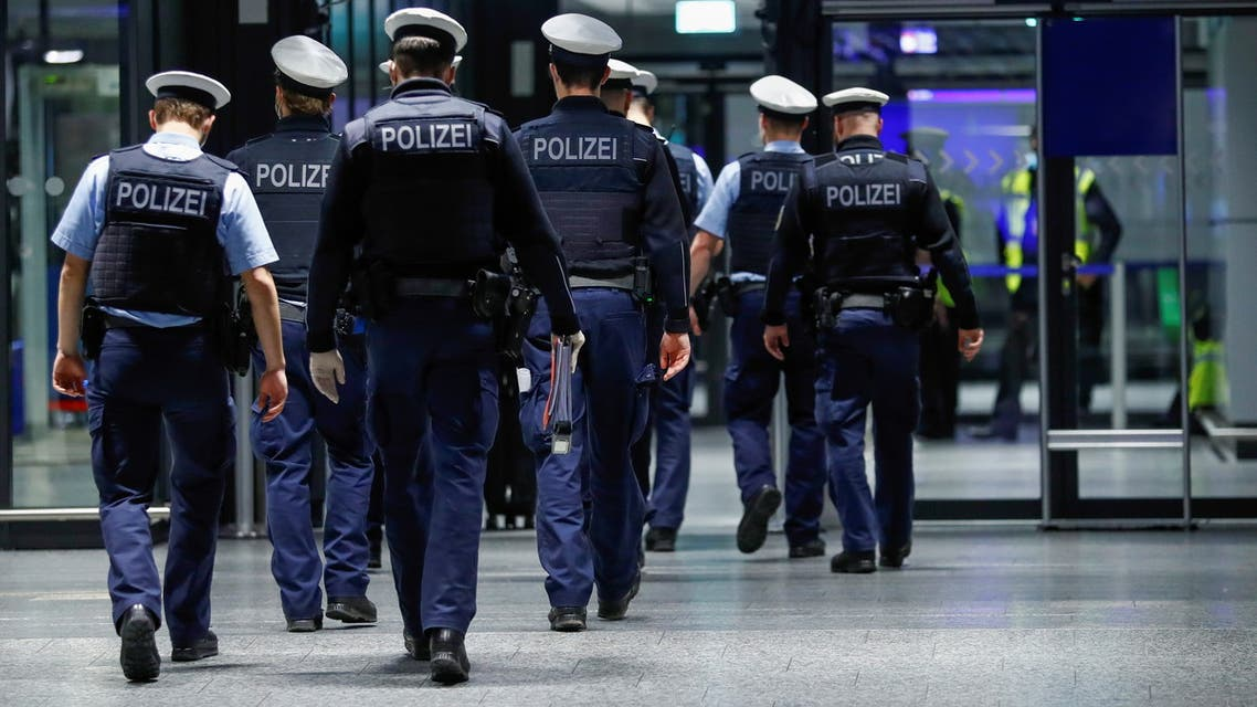 Federal police officers walk through Frankfurt Airport, as the spread of the coronavirus disease (COVID-19) continues, in Frankfurt, Germany, January 30, 2021. REUTERS/Ralph Orlowski
