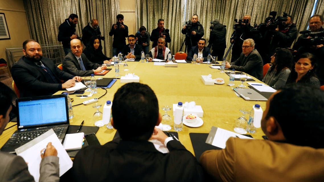 Delegates from the Iran-aligned Houthi movement and the Saudi-backed Yemeni government meet to discuss prisoner swap deal in Amman, Jordan January 17, 2019. REUTERS/Muhammad Hamed