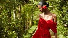 11 فكرة جديدة لارتداء الأحمر بجرأة وأناقة
