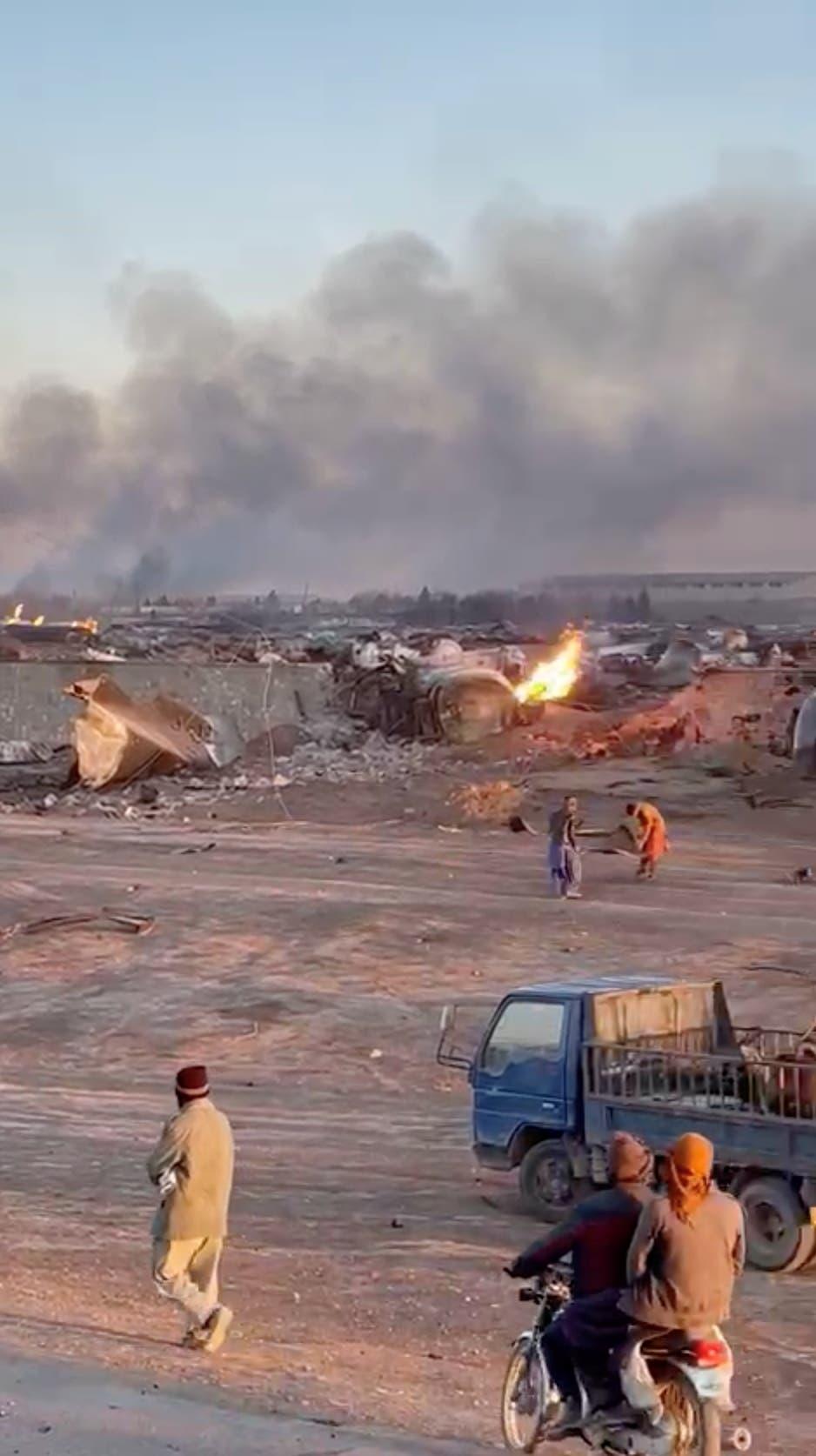 حريق كارثي لشاحنات تقل نفطا على الحدود بين أفغانستان وإيران (أرشيفية- رويترز)