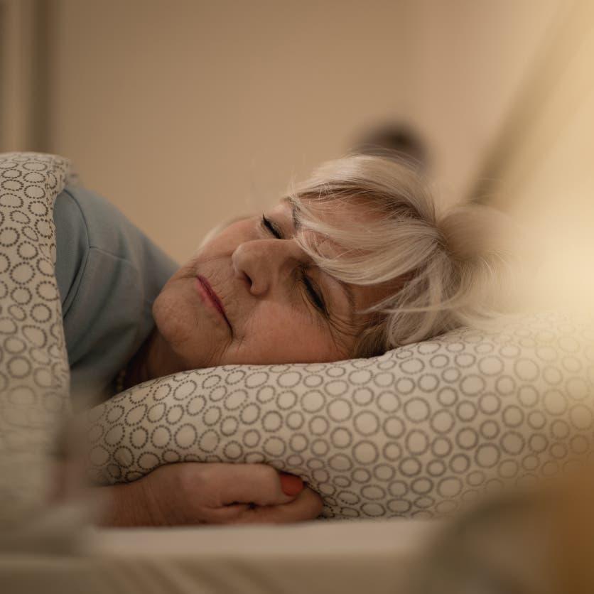احذروا.. النوم أقل من 6 ساعات يزيد خطر الإصابة بالخرف