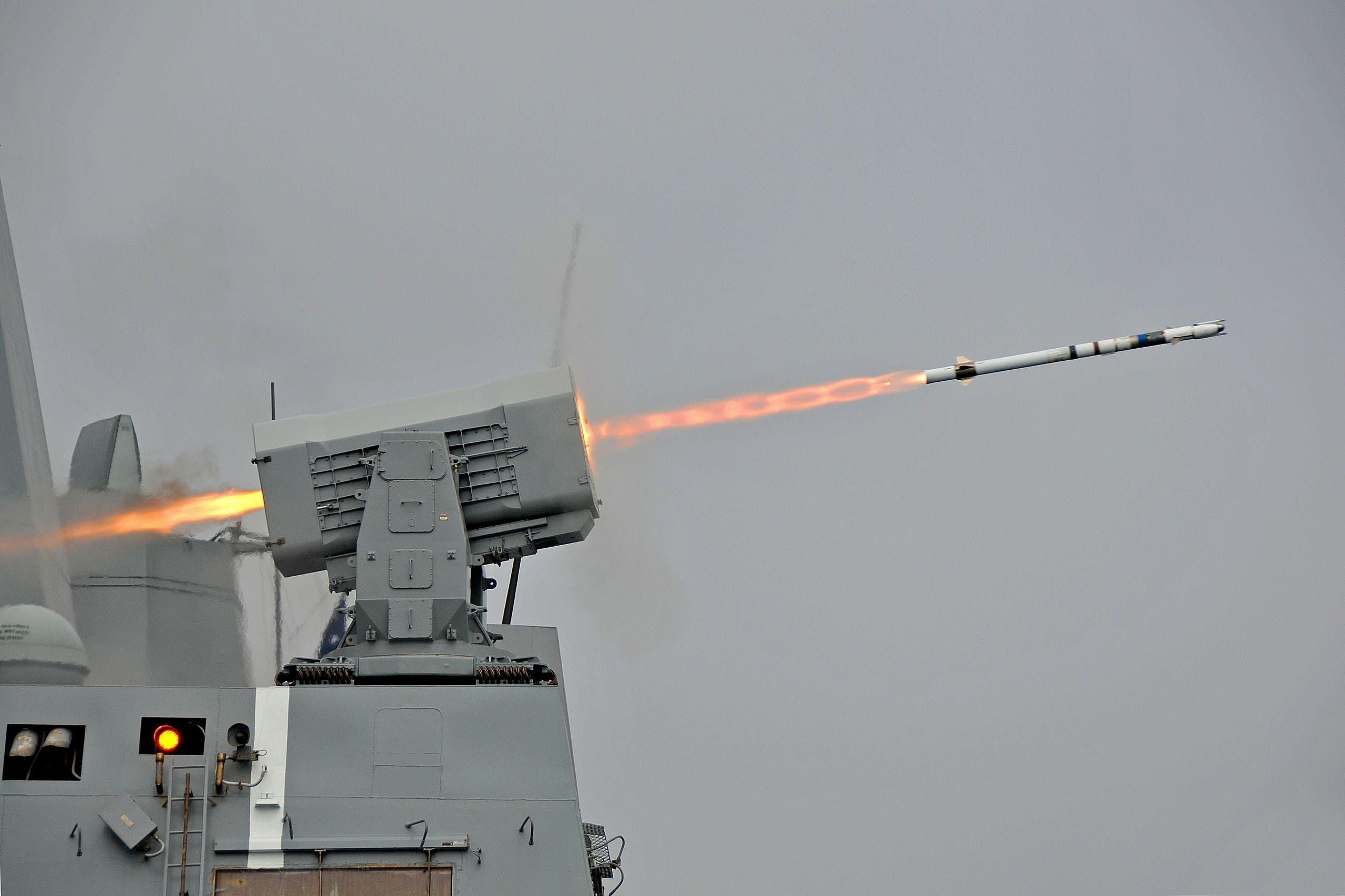 صواريخ من طراز RIM-116C خلال تمرين عسكري أميركي في كاليفورنيا (أرشيفية)