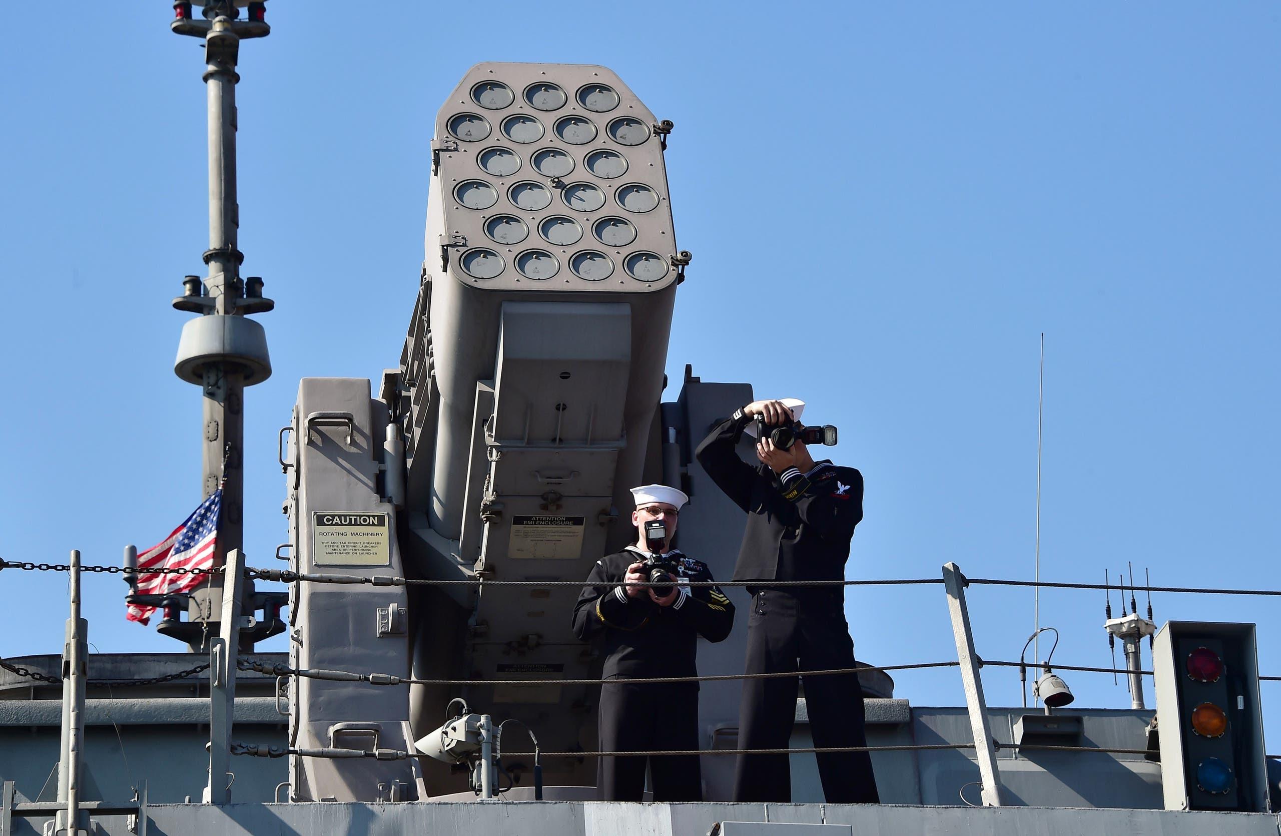 جنود أميركيون قرب منصة لإطلاق صواريخ من طراز RIM-116C في كوريا الجنوبية