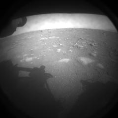 صور من المريخ فور هبوط مركبة.. شاهد الفرحة في ناسا