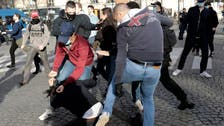 Anti-facists clash with anti-migrant group at Paris protest