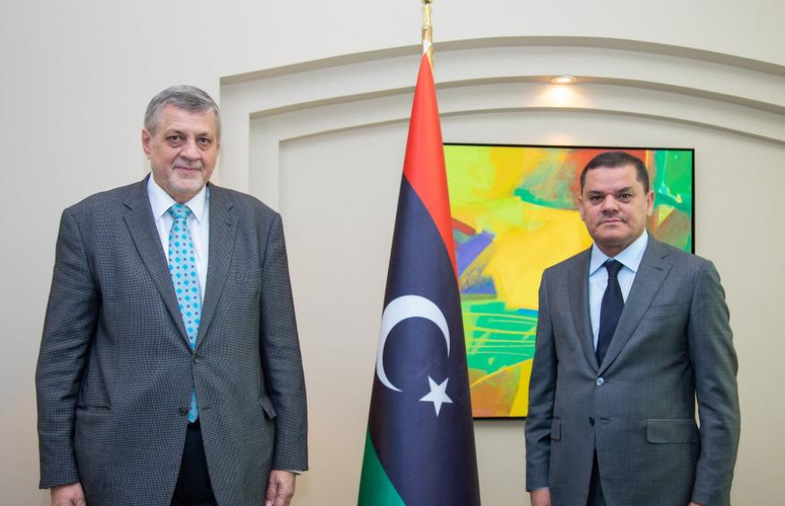 رئيس االحكومة الليبية عبد الحميد الدبيبة والمبعوث الأممي يان كوبيش (تويتر)