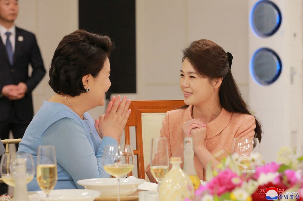 The Amazing Secrets of North Korea's First Lady's Life