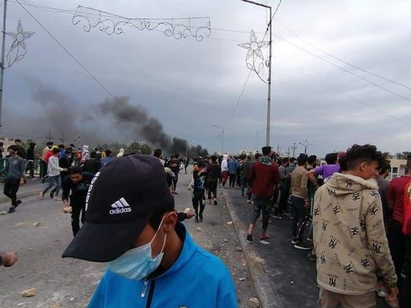 الناصرية تحتج.. ومتظاهرون يرشقون الأمن بالحجارة