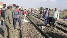 الصور قتلتهم.. تفاصيل دهس 3 شبان تحت عجلات قطار في مصر