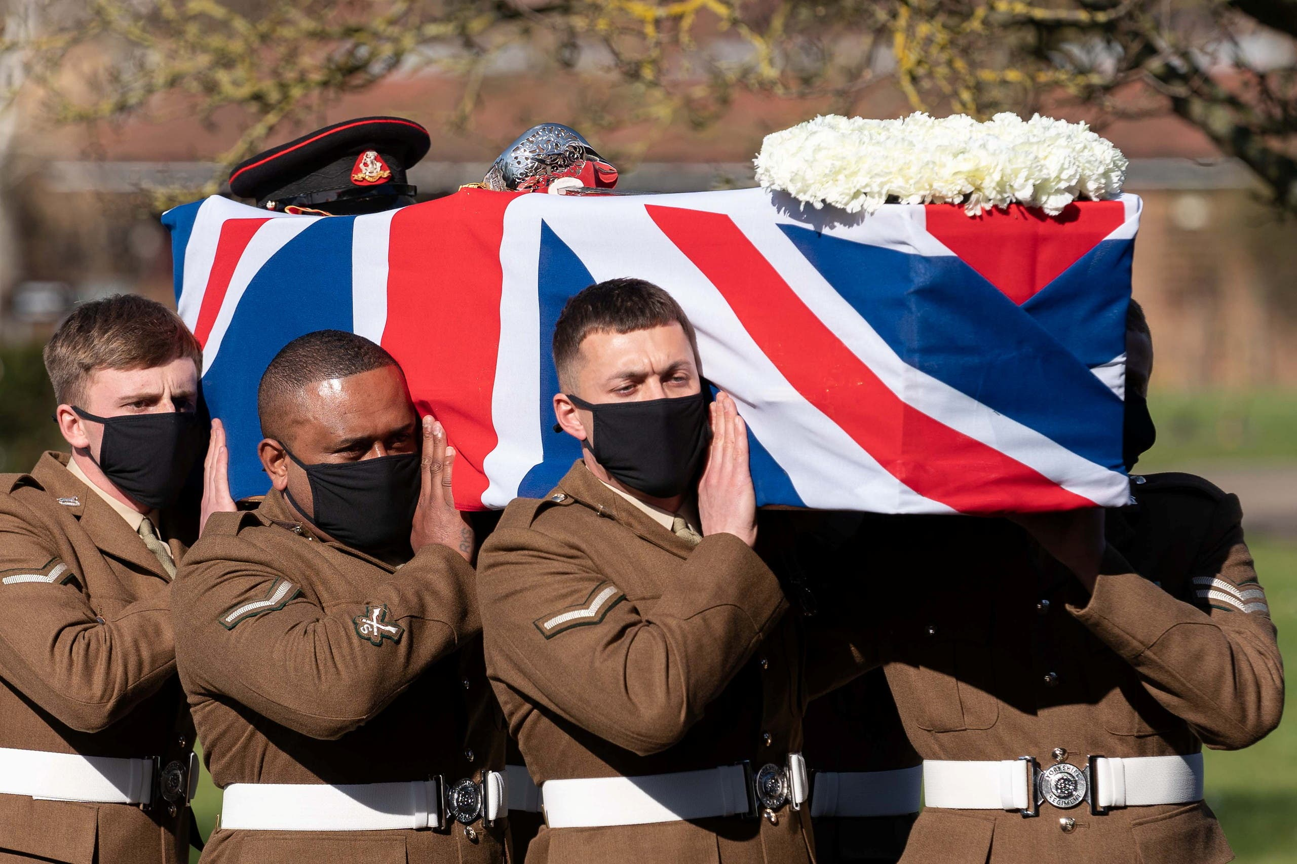 من جنازة الكابتن توم