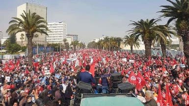 شارعا النهضة ومعارضيها يتقاطعان وسط تونس وتحذير من انفلات