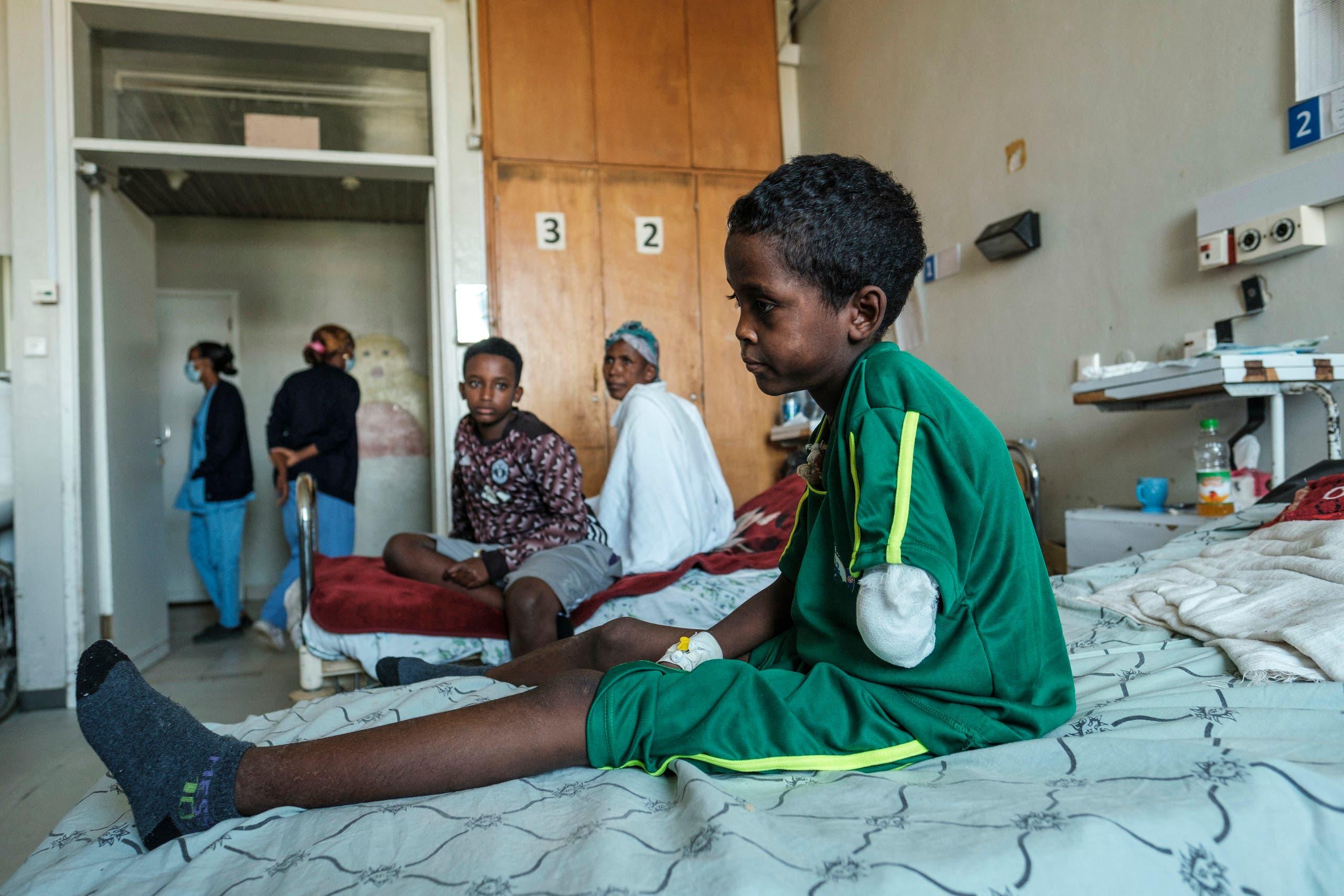 طفل مصاب جراء القتال في تيغراي يعالج في مستشفى مدينة ميكيلي في الإقليم
