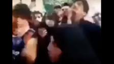 """""""اعطوني حقي"""".. عراقية فوق جثة ابنها ترفض دفنه"""