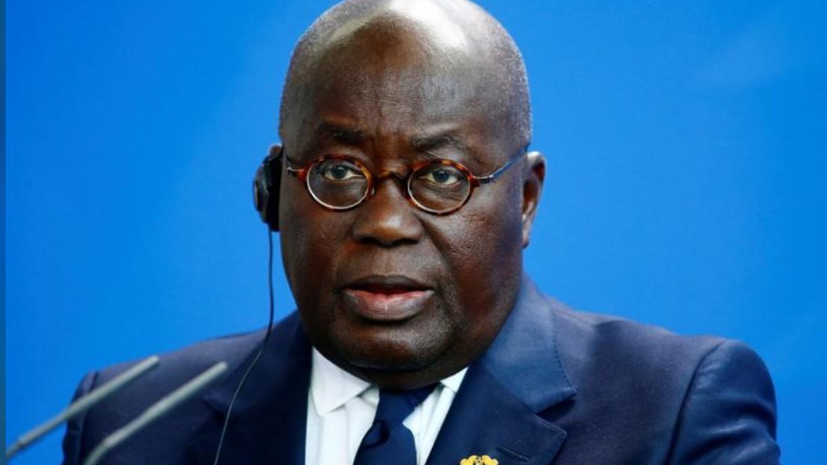 رئيس غانا لشعبه: لقاح كورونا لا يسبب العقم