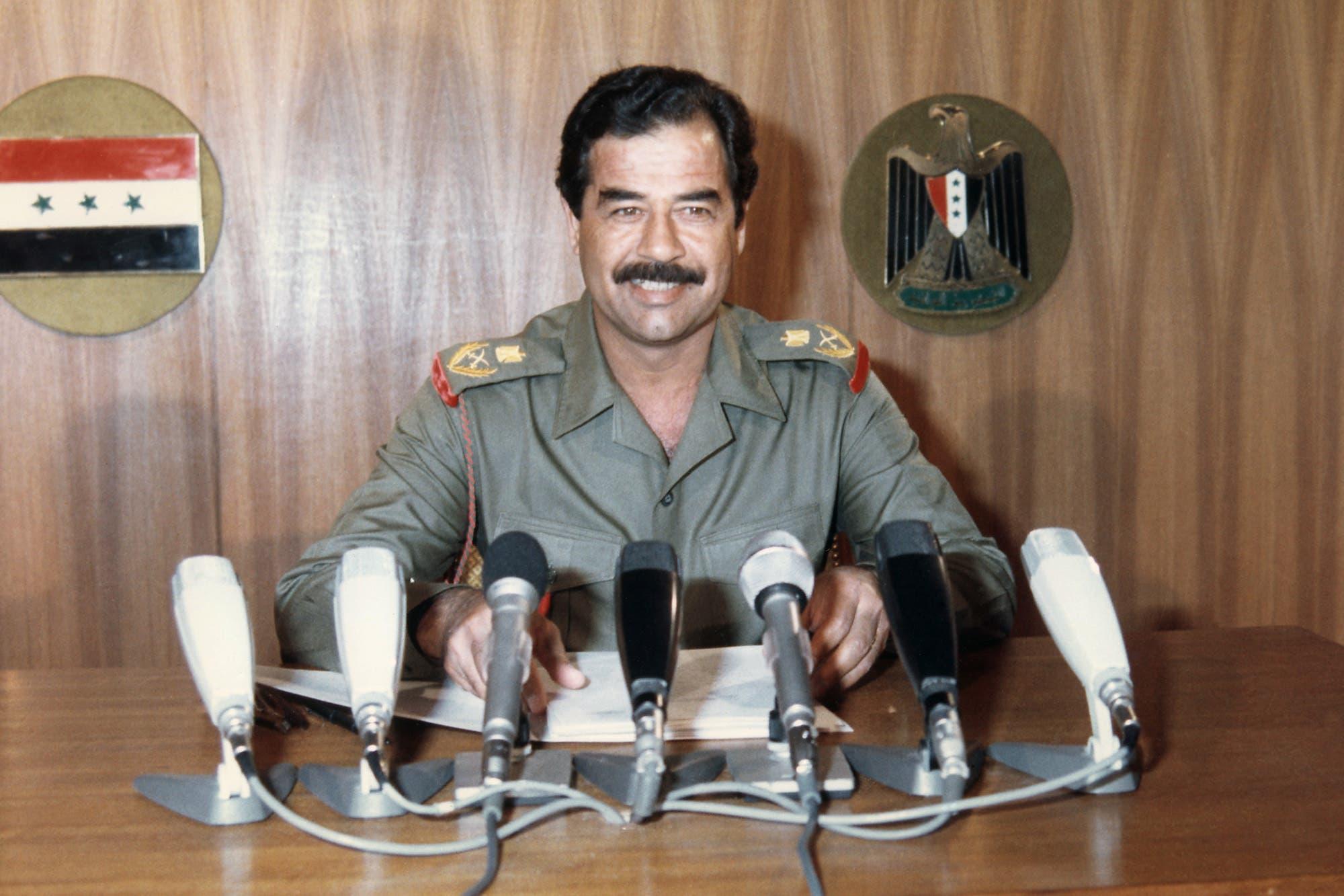 صورة للرئيس العراقي صدام حسين