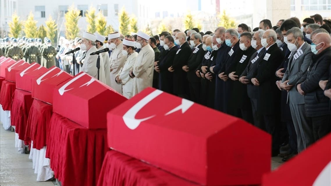 A state ceremony was held in Ankara after the Friday prayer for the military personnel killed in the helicopter crash in Bitlis. (msb.gov.tr)