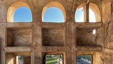سعودی عرب کے مشرقی ضلع قطیف میں قدیم تعمیرات کس نوعیت کی ہیں؟
