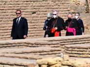 البابا وصال أور.. بانتظاره عائلة مسيحية واحدة