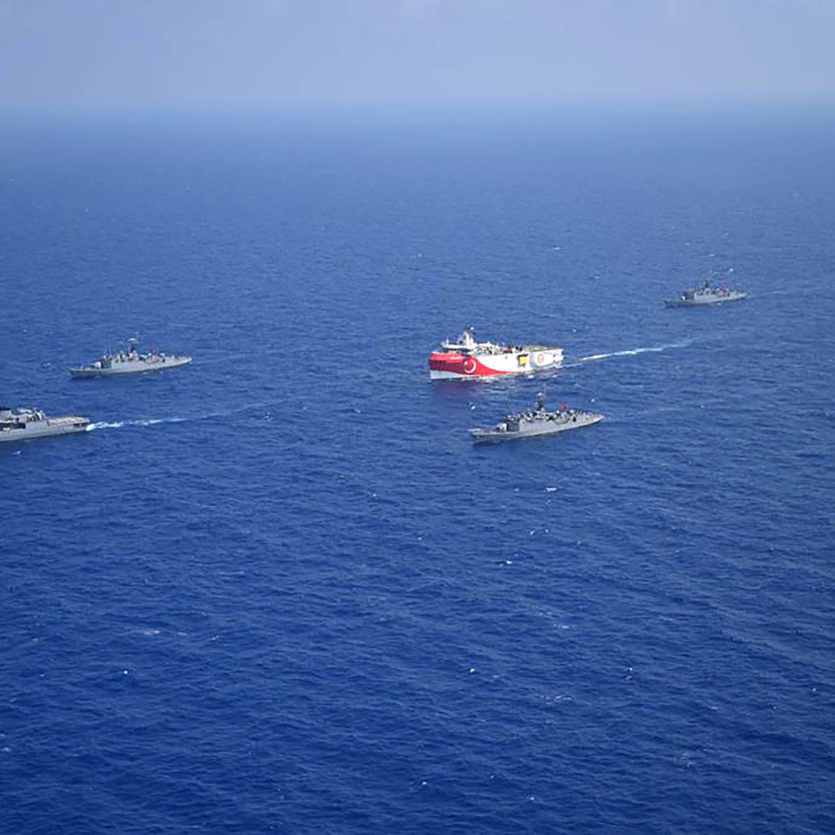"""اليونان تتهم البحرية التركية بـ""""مضايقات"""" في بحر إيجه"""