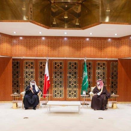 ولي العهد السعودي وولي عهد البحرين يستعرضان العلاقات الوثيقة بين البلدين الشقيقين
