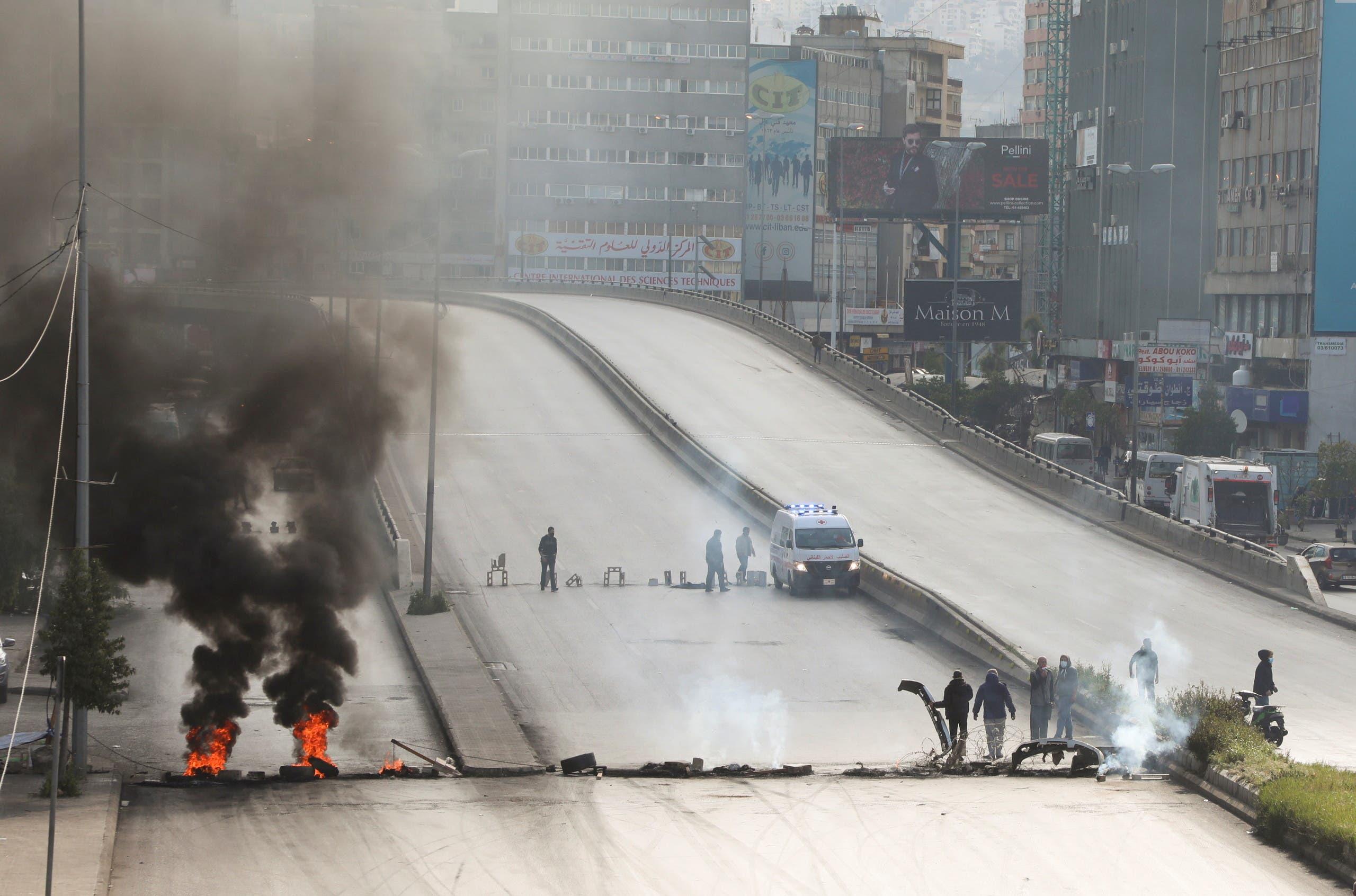 قطع طريق الدورة شمال بيروت