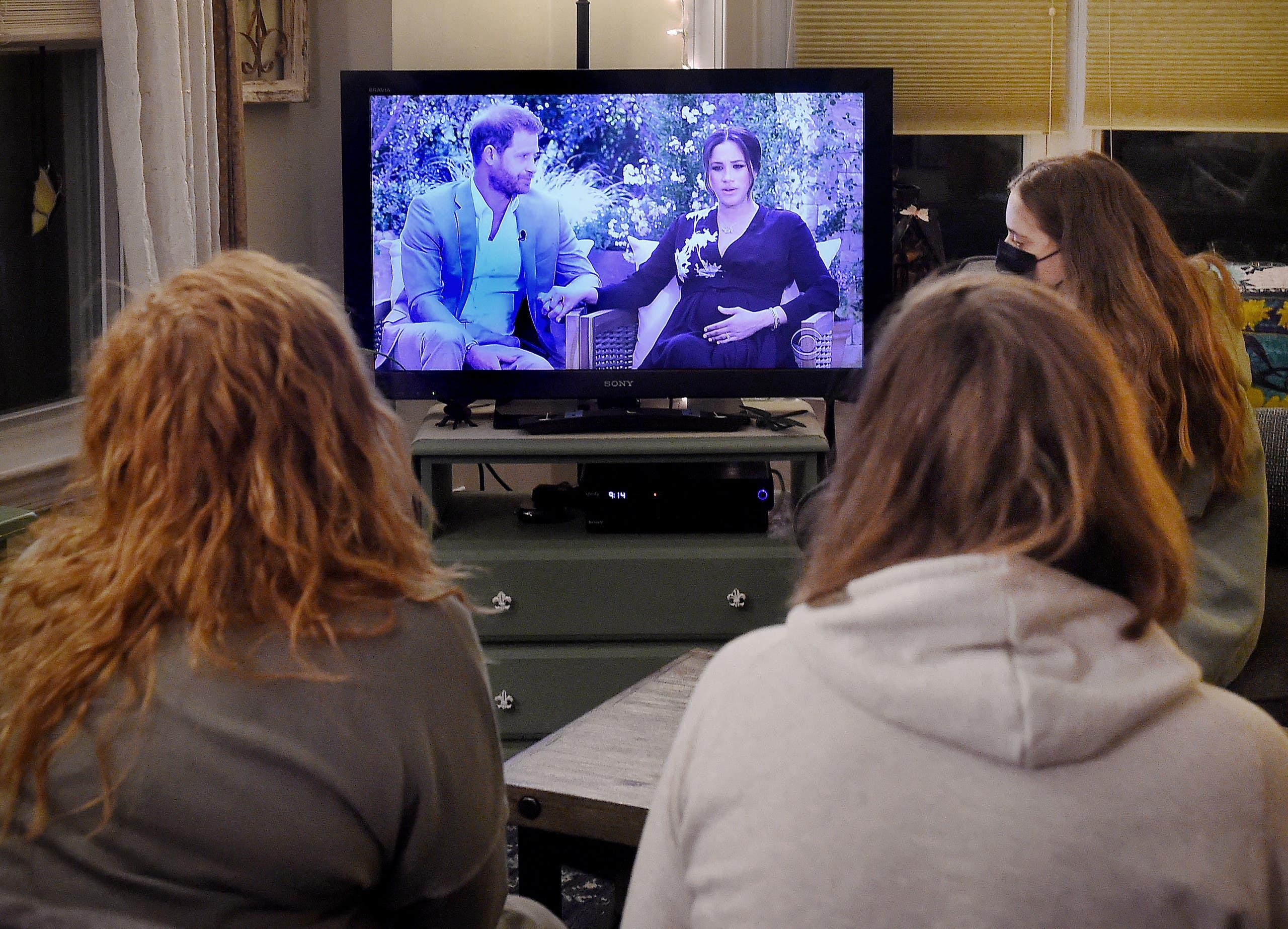 مشاهدون في الولايات المتحدة يتابعون مقابلة الأمير هاري وميغان