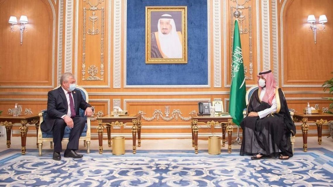 Saudi Crown Prince Mohammed bin Salman (R) and Russian special envoy for the Syrian settlement Alexander Lavrentiev (L). (SPA)