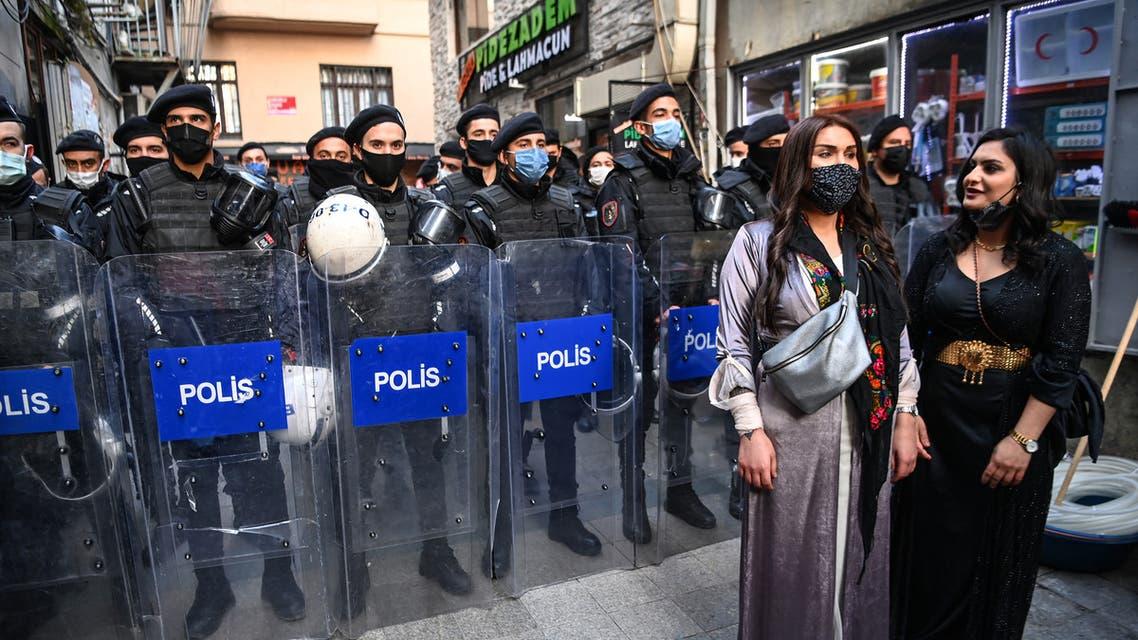 تظاهرة نسائية في اسطنبول بمناسبة يوم المرأة (8 مارس 2021- فرانس برس)