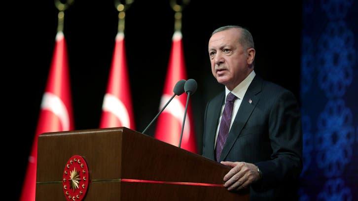 بعد انهيار الليرة.. أردوغان يحث الأتراك على شرائها!