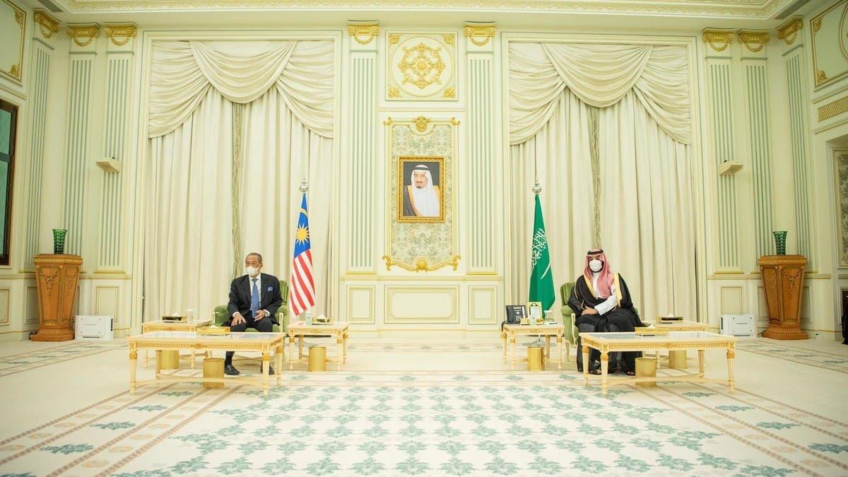 ولي العهد السعودي ورئيس وزراء ماليزيا يشهدان توقيع 3 اتفاقيات