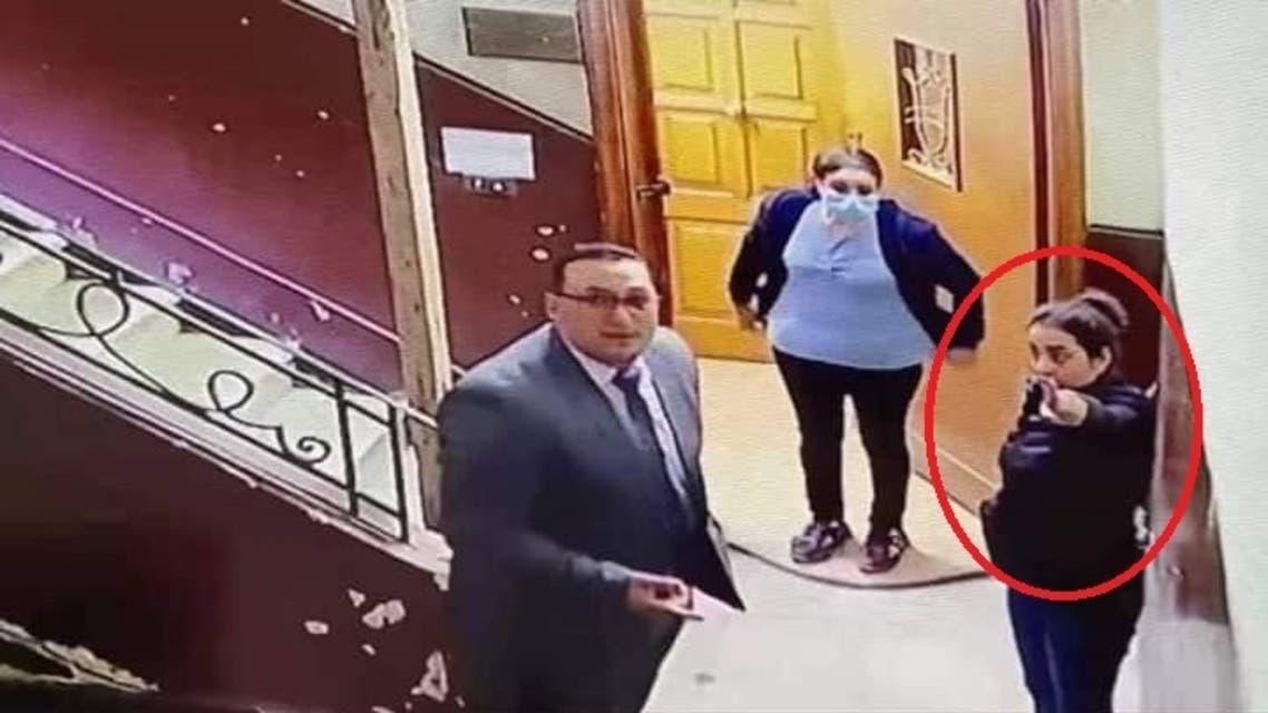 الشابة التي فضحت المتحرش بالطفلة في مصر