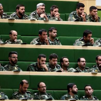 إيران.. جنرالات الحرس الثوري يصطفون لاستبدال روحاني