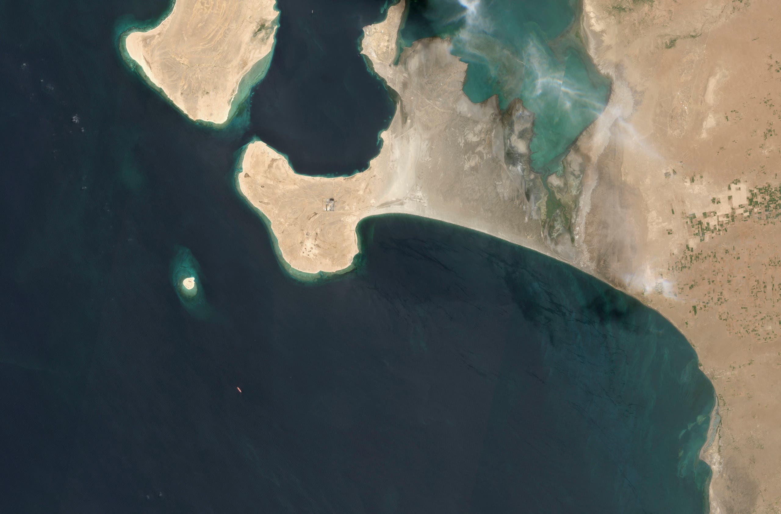This handout satellite image obtained courtesy of Maxar Technologies on July 19, 2020 shows an overview of the FSO Safer oil tanker on June 19, 2020 off the port of Ras Isa. (Satellite image ©2020 Maxar Technologies/AFP)