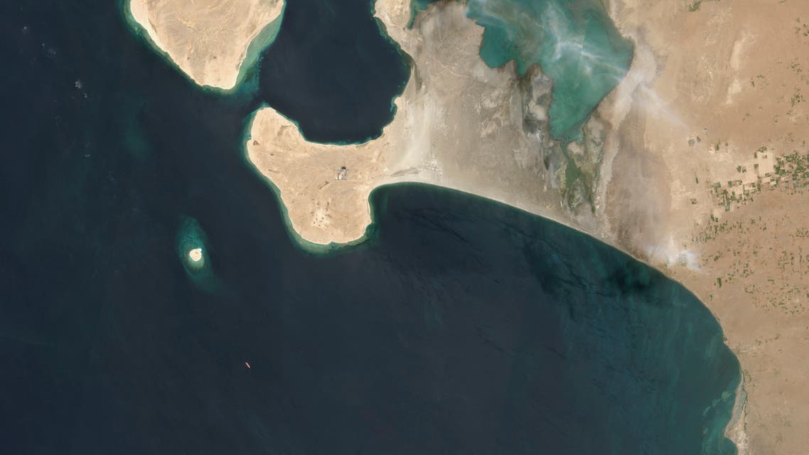 This handout satellite image obtained courtesy of Maxar Technologies on July 19, 2020 shows an overview of the FSO Safer oil tanker on June 19, 2020 off the port of Ras Isa. The United Nations held an unusual session July 15, 2020 to express fears of catastrophe if a decaying oil tanker abandoned off Yemen's coast with 1.1 million barrels of crude on board ruptures into the Red Sea. A breach of the 45-year-old FSO Safer, anchored off the port of Hodeida, would have disastrous results for marine life and tens of thousands of impoverished people who depend on fishing for their livelihood. The UN Security Council said it had sent details of a plan for an inspection team to conduct light repairs and determine the next steps to the Iran-backed Huthi rebels, who control Hodeida, on Tuesday.