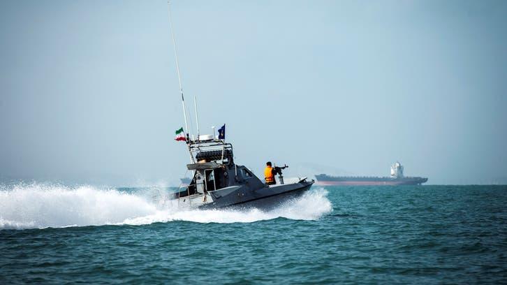 محتجون يهاجمون مركزاً لخفر السواحل جنوبي إيران