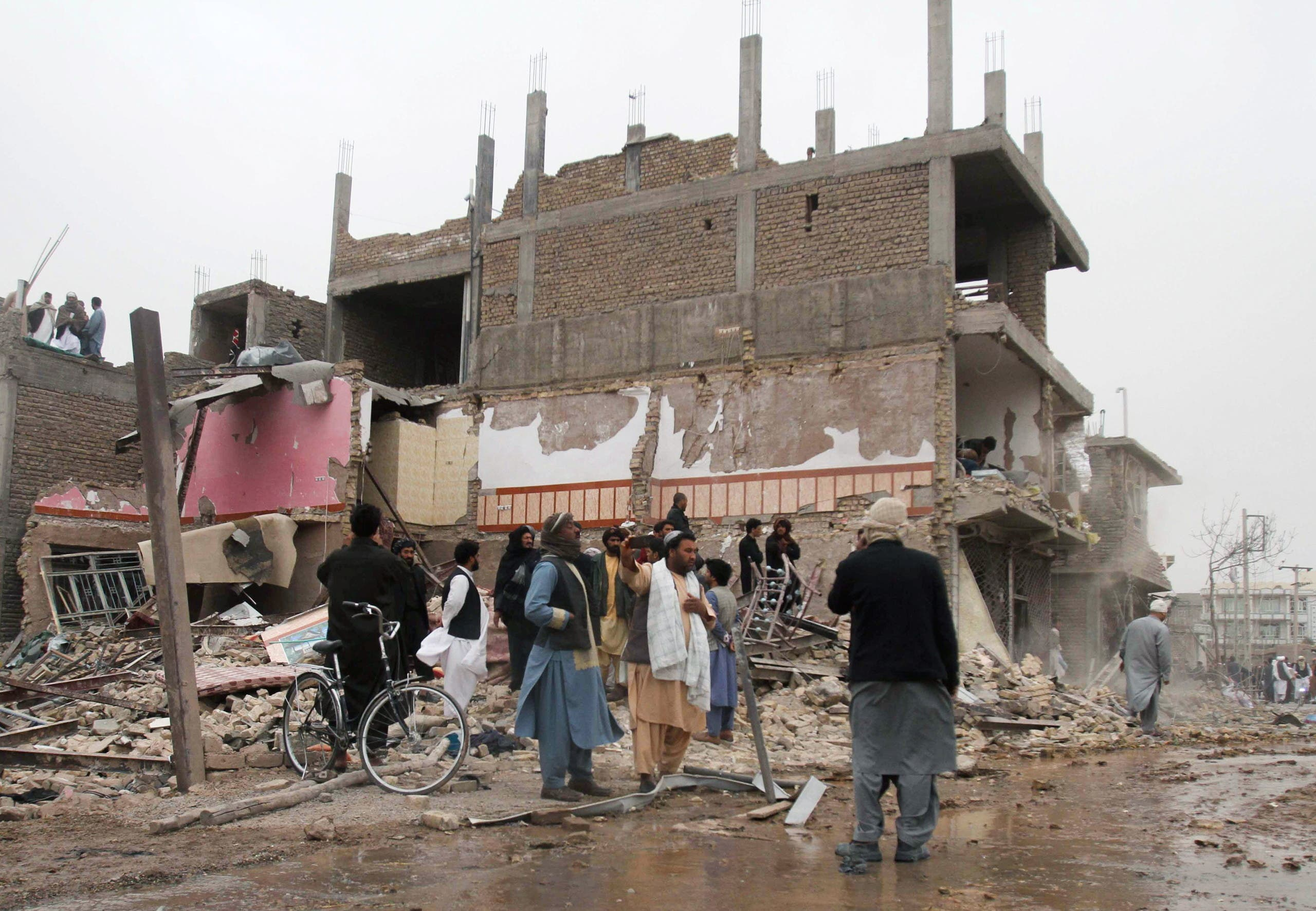 شهرواندان هرات که خانههای شان در حمله انتحاری تخریب شده است