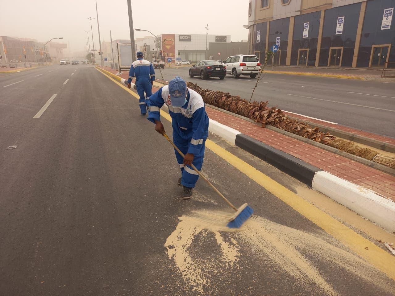 آثار موجة الغبار في السعودية