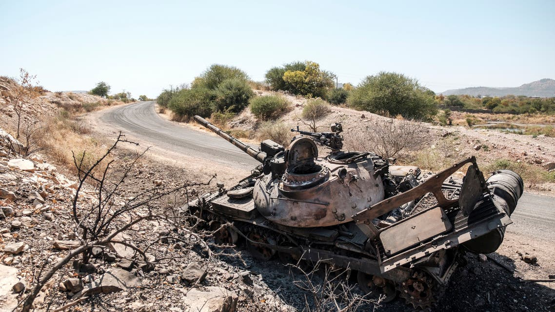 A damaged tank stands abandoned on a road near Humera, Ethiopia. (File photo: AFP)