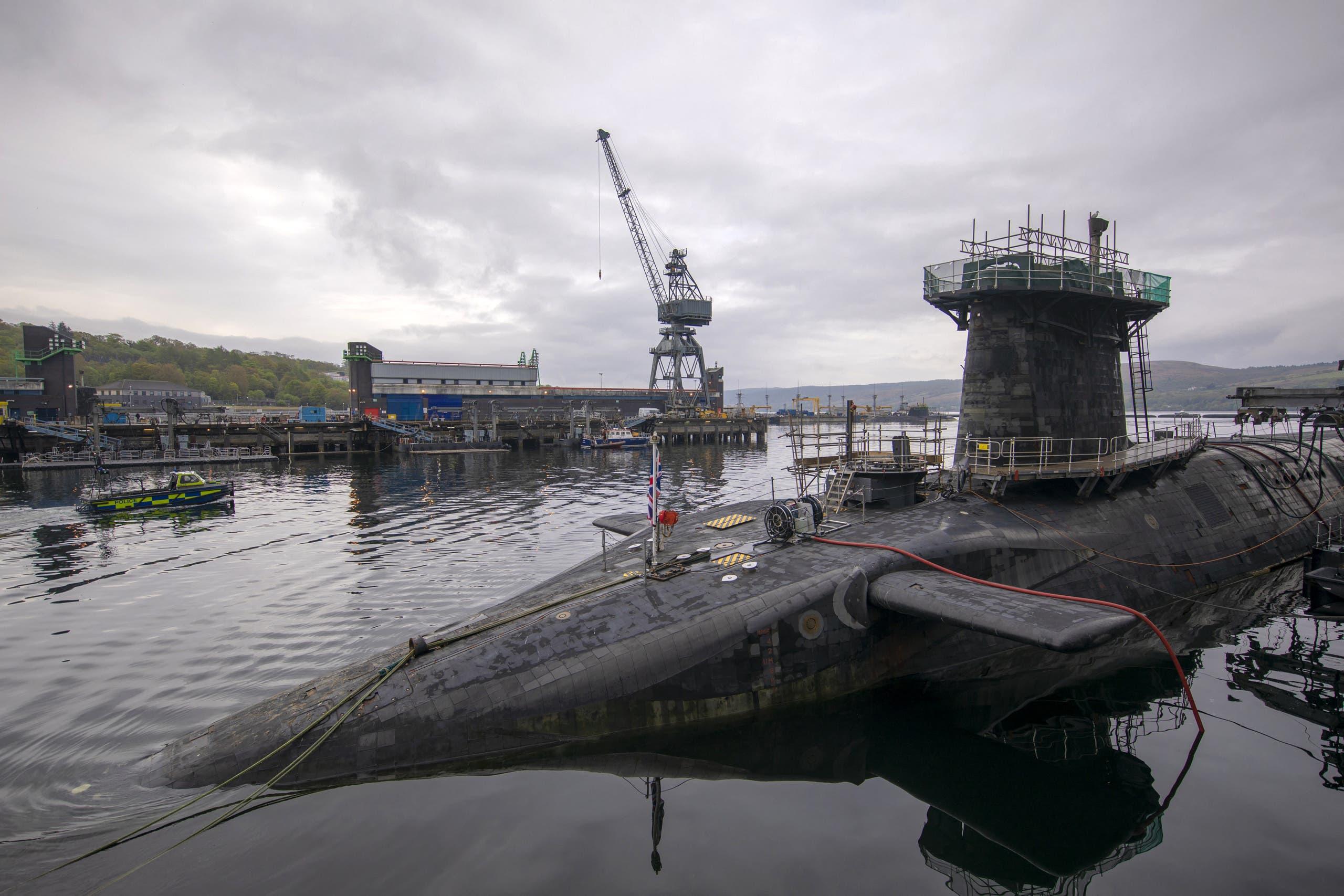 غواصة بريطانية تحمل رأساً حربية نووية في اسكتلندا