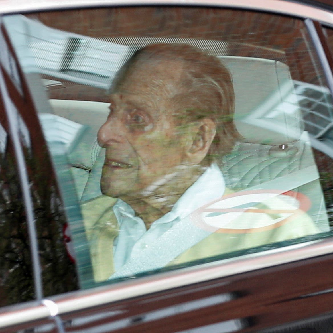 بعد علاج استمر شهرا.. الأمير فيليب يغادر المستشفى