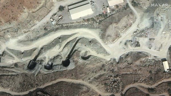 صور تكشف تركيب إيران منصات جديدة لإطلاق الصواريخ