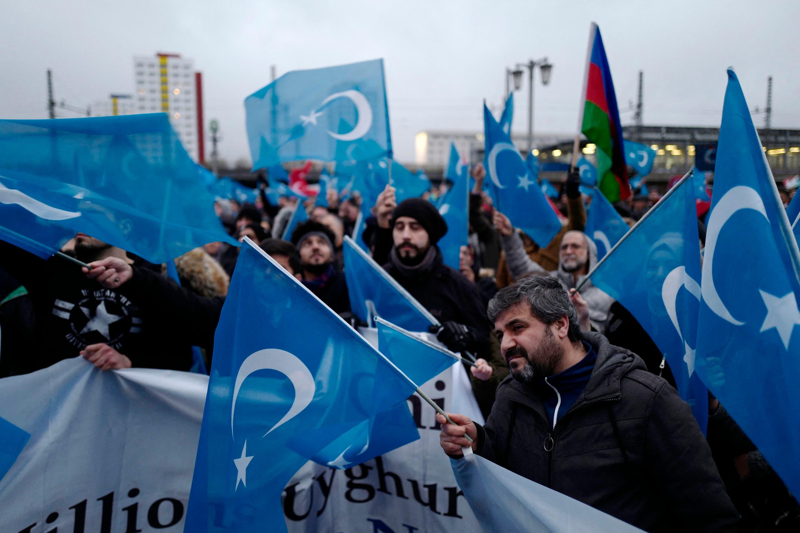 مظاهرة منددة بتعامل الصين مع الإيغور أمام السفارة الصينية في برلين في 2019