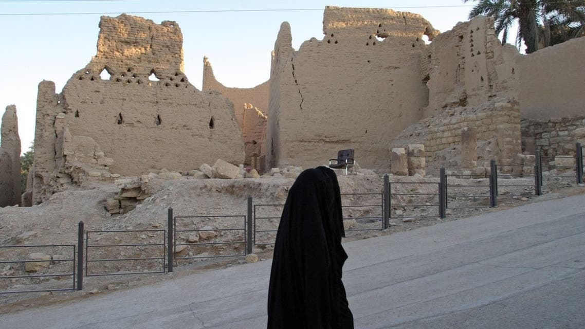 Record 150 hours of oral history documenting the heritage of the Diriyah Gate