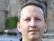 يشرف على الموت في إيران..صرخة أممية دفاعا عن عالم سويدي