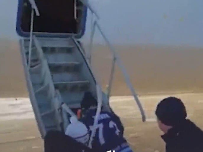 روسها در هواپیمای در حال پرواز #هاکی بازی کردند