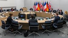 پاریس: در مورد چالشهای مرتبط با ایران گفتگوهای سازنده با آمریکا داشتیم