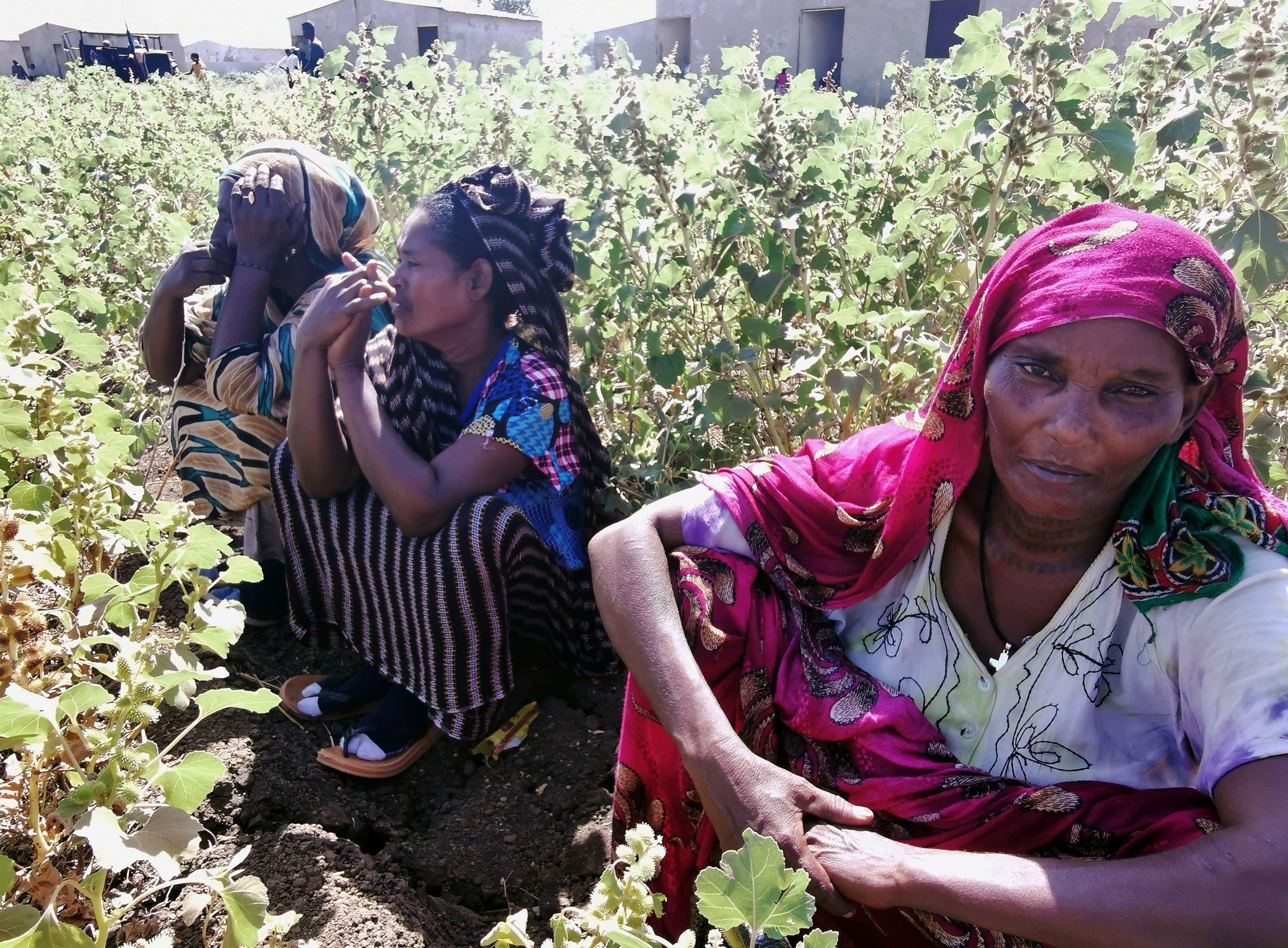 إثيوبيات فررن من القتال الدائر بتيغراي في مخيم الفشقة للاجئين يوم 13 نوفمبر 2020