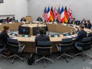 وزير خارجية فرنسا: محادثات بناءة في الناتو حول إيران