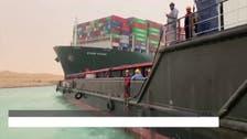 جهود تعويم السفينة مستمرة.. 400 مليون دولار خسائر انسداد قناة السويس كل ساعة